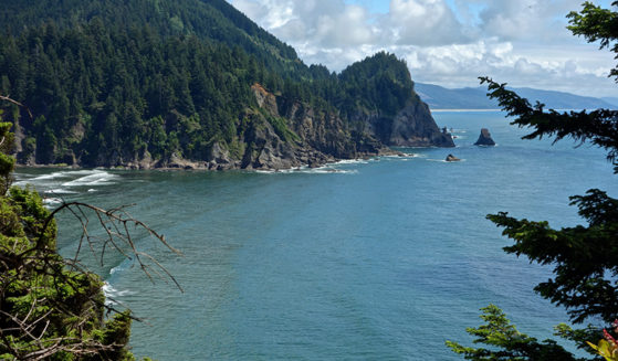 https://ttulv7cg7e-flywheel.netdna-ssl.com/wp-content/uploads/2016/01/Oregon-Coast-trail-view-Short-Sands-2-559x327.jpg